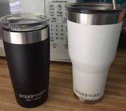 Simple Modern Vacuum Insulated Stainless Steel Tumbler with Lid